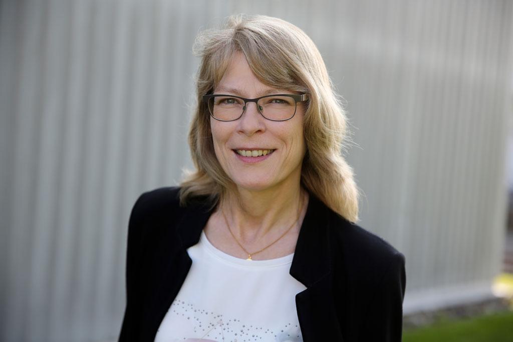 Lydia Stehrenberg, Vertrieb