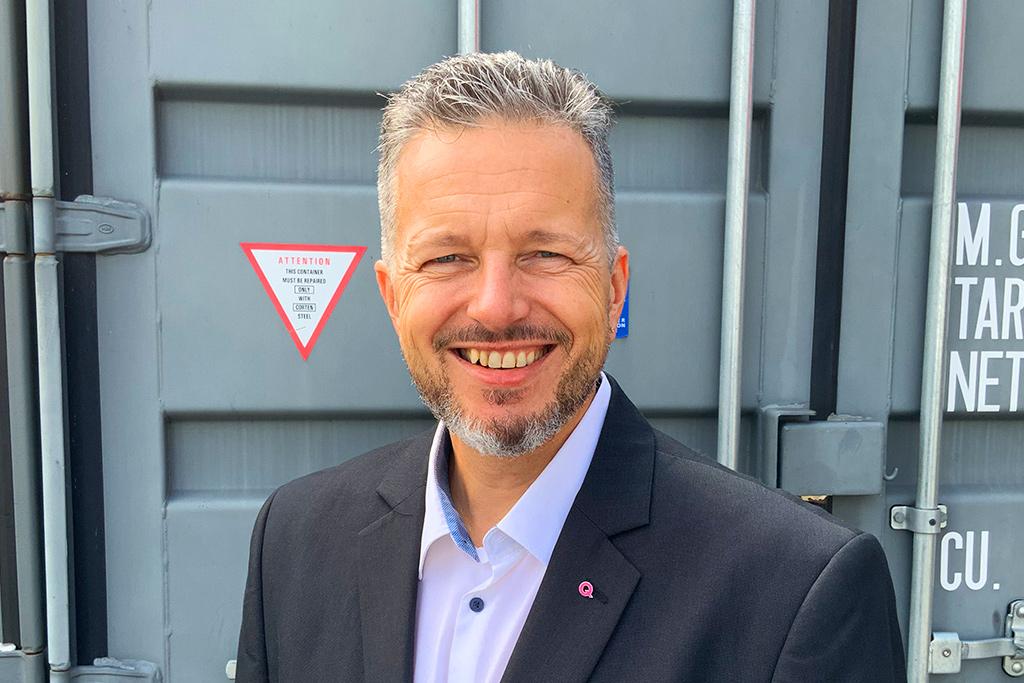 Jens Schadewald, Vertrieb